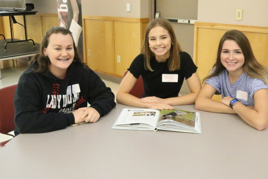 Journalism Travels to Yearbook Camp